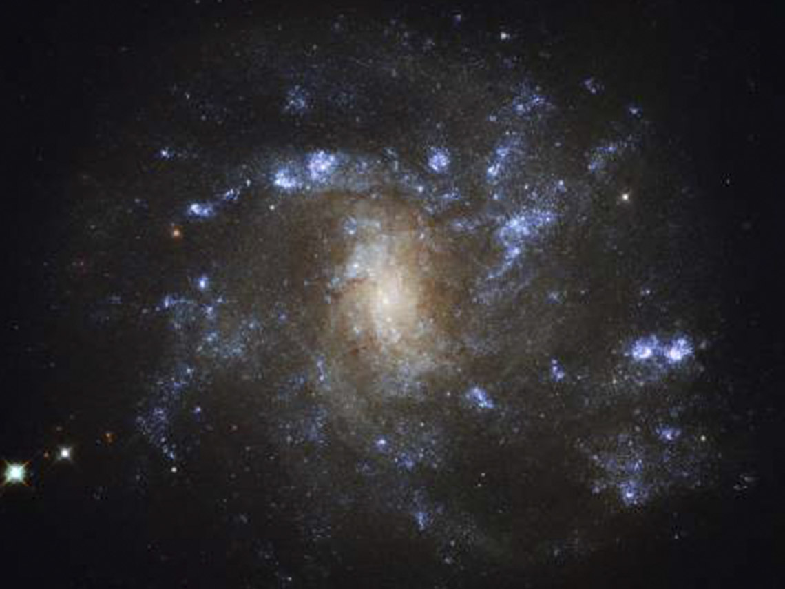 1_0026_Stars-from-Hubble-telescope-in-Lynx-constellation